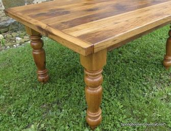 reclaimed pine wood table
